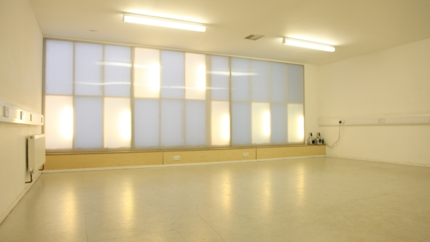 The Cutting Room in daylight. Empty studio space to hire. Suitable for a variety of events including yoga, pilates, group classes and meetings.